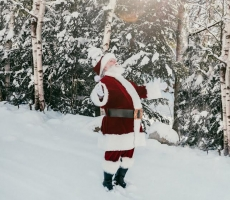 Santa Randy in snow